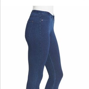 Super smooth denim Capri